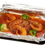 ビッグボーイ初、魚介ソースのホイル焼きハンバーグ