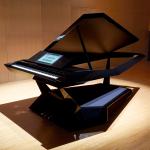 ローランド、「未来の電子ピアノ」や新型MIDIキーボード、配信に便利なコントローラーを発表