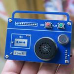 ラジカセ型のキュートなボイスレコーダーが作れる工作キット