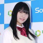 18歳・早坂美咲の気持ちを引き締めるのは、やっぱり制服!