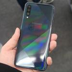 3眼カメラや画面内指紋認証搭載! サムスンの最新ミドル「Galaxy A50s」