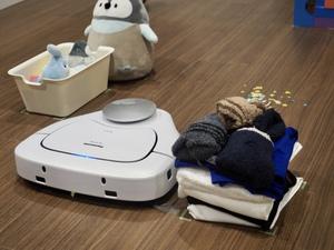 あなたが神か パナソニック、ちらかった部屋でも使えるロボット掃除機