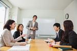 従来の英会話スクールとコーチング式の英語スクール、どこが違うのか? どちらを選べばいいのか?