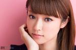 深田恭子「大きなリボン誰が着けるんだろうと思ったら私でした(笑)」3/4発売号表紙の人