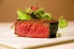 ドドンっと6kgの塊肉を焼く『炉窯ステーキ煉瓦』で「肉のみ」の安値な注文も可能に!行くべし