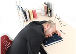 ノートと枕が一体化!? 快適な仮眠ライフを実現する画期的なアイテムが出た!