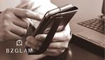大きなiPhone 6 Plusも落下防止のホールドベルトで片手操作も安心安全!