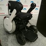 未来すぎるハイテク電動車椅子もシェアサイクルへ ドコモが新しいモビリティシェア事業を提案