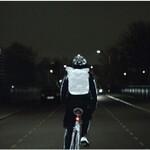 ボルボの反射スプレー『LifePaint』で夜間のドライバーの熱視線を独り占め