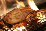 「ベルサイユの豚」新店!熟成ロースの炭火焼と仕入れ値販売のワインが魅力