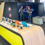 世界初!大画面でパックマンもできるロンドンのリアルGoogleショップで大はしゃぎ
