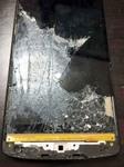 Apple Store表参道の前で粉々に割れたNexus 5の液晶を格安で修理する方法