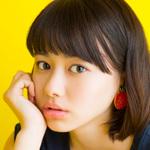 映画『Zアイランド』で魅せた空手初段の美少女・山本舞香さん|表紙の人