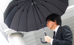 梅雨前に欲しい! 豪雨や強風に負けないグラスファイバー使用の16本骨傘が登場!