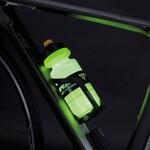 自転車に装着したボトルが怪しく光るボトルケージが登場!事故防止にも役立ちそう