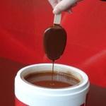 アイスPARMのチョコを自分でつけられる期間限定カフェ開催