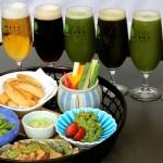 緑色の「抹茶ビール」が飲み放題の『抹茶ビアガーデン』が開催