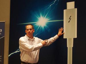 """USB Type-Cを利用した、最速40Gbpsの""""Thunderbolt 3""""登場:COMPUTEX 2015"""