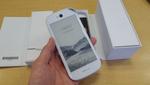 雪のように真っ白なYotaPhone2ホワイトモデル:週間リスキー