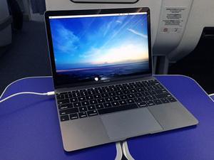 海外出張時の新MacBookの使い勝手は?