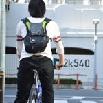 片手運転が不要に サンコーからワイヤレス自転車用方向指示器が2種類登場