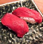 馬肉好きよ駆け込め!神楽坂「肉寿司」と日本酒がウマすぎて溺れる