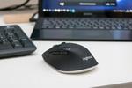 ノートもデスクトップもこれ1台!乾電池1本で約2年もつ無線マウス「M720」にべた惚れ