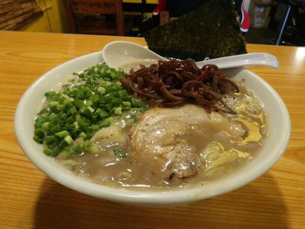 選べる豚骨ラーメンが楽しすぎる 上を向いていこう(東京・羽村)【ZATSUのオスス麺 in 武蔵野・多摩】第3回