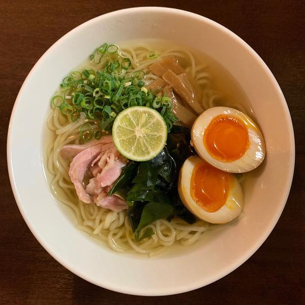 あっさりなのに奥深いスープが絶品 中華そば いぶき(大阪府・大阪市北区)【大阪の麺スタグラマーによる『ラーメンの時間ですよ』】第2回