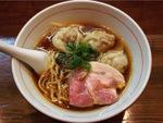 極上の清湯スープと手揉み麺が旨し かねかつ(埼玉・川口)