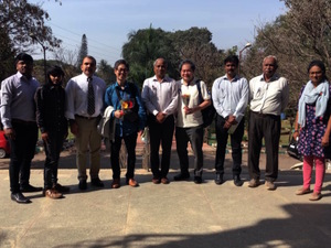 インドやルワンダなど農家に仕事向けスマホを販売 アメグミ