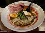 オマール海老の濃厚スープがぜいたく! 海老丸らーめん(東京・神保町)