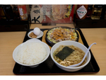 ガッツリ鉄板焼き+ラーメンの最強タッグ 大盛軒(東京・東中野)