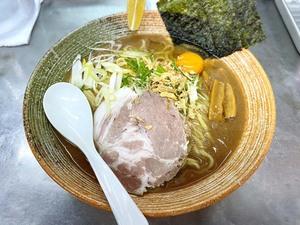 「がんこ」の教えを元に、多彩なラーメンを作り出す唯一無二の実⼒店 覆麺 智(東京・神保町)