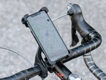 サンワ、4~6.5型までのスマホに対応する自転車用ホルダー