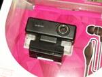 すぐに使えるイヤホンマイク付き200万画素のウェブカメラ