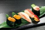 くら寿司「新物うにVS本ずわいがにフェア」開催中!