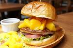 夏だ!マンゴーだ!トロピカルなマンゴーハンバーガーが魅力的