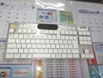 ロジクールの薄型ゲーミングテンキーレスキーボードに白&銀モデルが追加