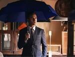 都会の雨天で感じるストレスから開放される折りたたみ傘