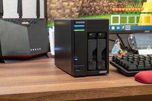 ASUSTORのNASでプライベートゲームサーバーを構築