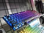 1億回入力に耐えるスイッチを搭載したゲーミングキーボード