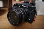 撮影に出かけづらい世の中だけど、それでも買っちゃった! 理想のカメラ「FUJIFILM X-T4」