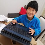 タッチ操作だけでなくキーボードにも早いうちに慣れて欲しい!兵庫県・小学4年生「木田健司くん」のマイ・ファーストPC