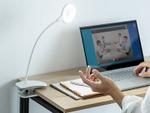 色温度調節に対応、曲がるアーム搭載のクリップ式LEDデスクライト