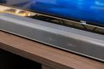音が変われば何かが変わる? 大画面テレビを買う前に「サウンドバー」を導入するのも良いぞ!
