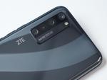 ディスプレーにカメラを埋め込んだZTE「AXON 20 5G」は使えるのか?