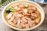 ローソン「焼豚×ウインナー」の大盛ガーリックパスタ