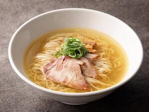 西新宿にある塩ラーメンの名店が創業後初のリニューアル「麺屋 翔 本店」