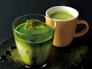 西新宿で楽しめる、ほろ苦いお茶ベースのドリンク「黒蜜抹茶ミルク」はいかが?
